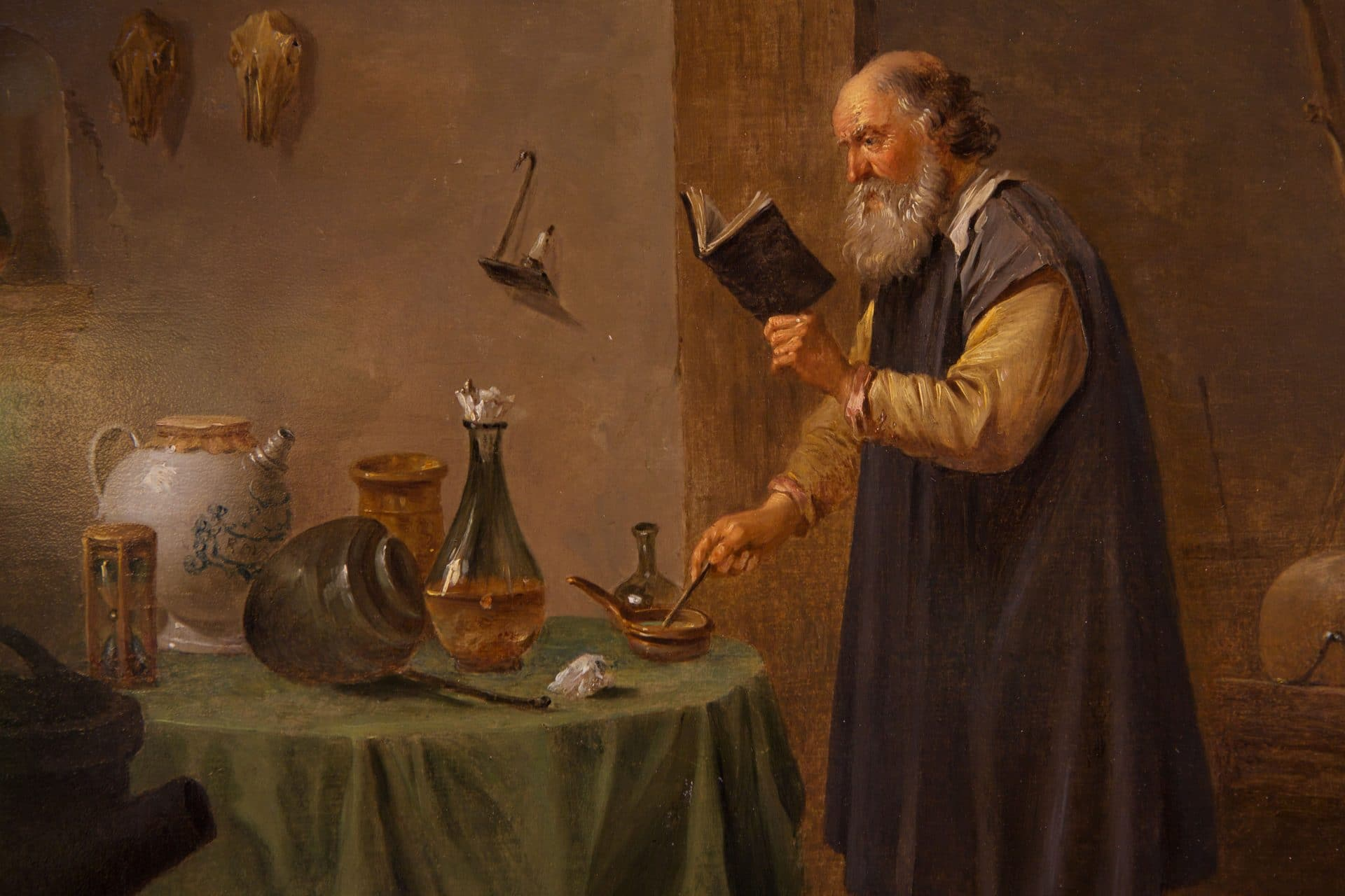 Dans le style de David Teniers le Jeune, un alchimiste au travail, v. 1660-70.